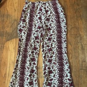 🖤 floral high waisted flowy flare pants!